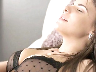 Young Anal TryoutsLuda arches her backHD