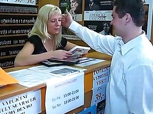 Quick sex in a DVD store - 6 min